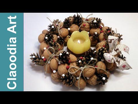 Wianek z orzechów i szyszek (Wreath with nuts and cones)