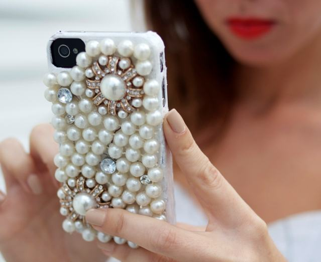 Чехол для мобильного телефона из бусин