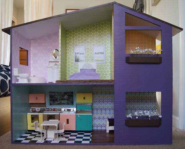 Дом для кукол из картонных коробок