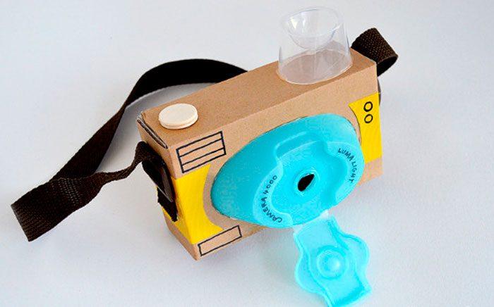 Фотоаппарат из картонных коробок