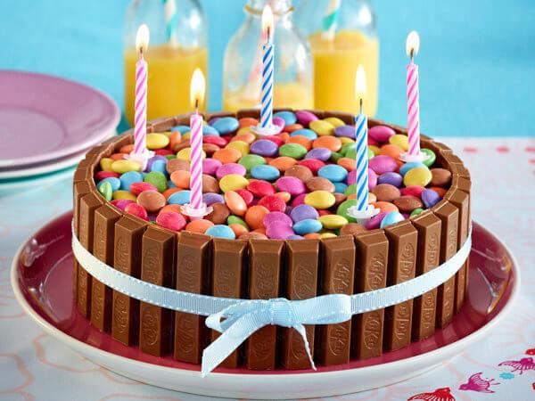 Украшение тортов конфетами