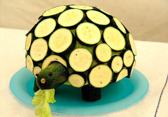 Черепаха из кабачков