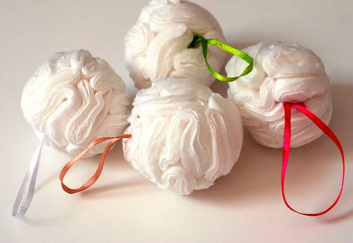 Ёлочные шарики из ватных дисков мастер-класс