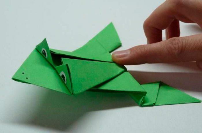 Прыгающая лягушка из бумаги своими руками