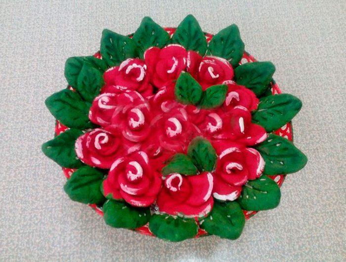 Розы из солёного теста