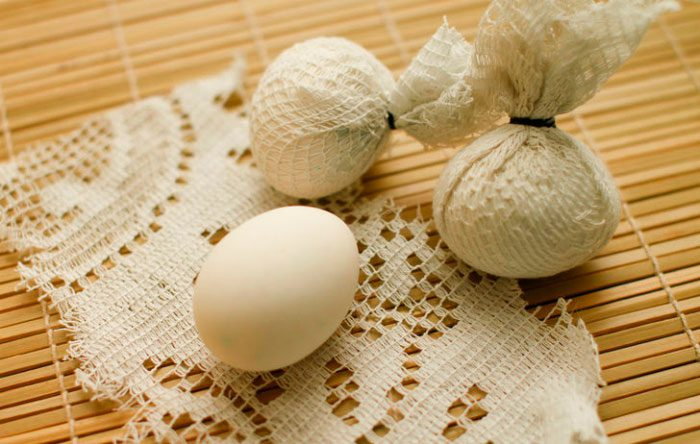 Украшение пасхальных яиц кружевом