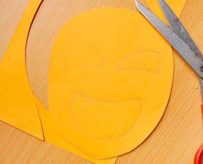 25-8-700x564 Как сделать маску из бумаги своими руками, 11 мастер-классов