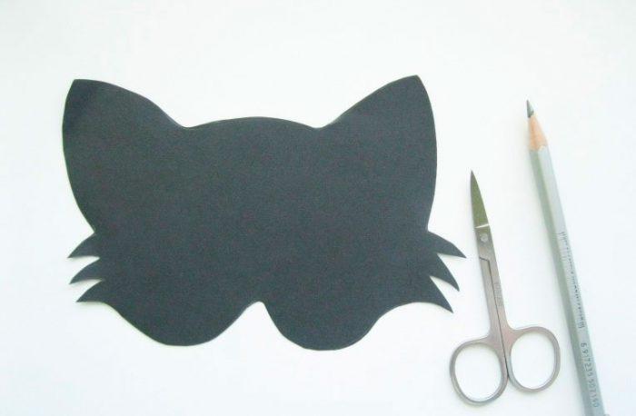 30-5-700x458 Как сделать маску из бумаги своими руками, 11 мастер-классов