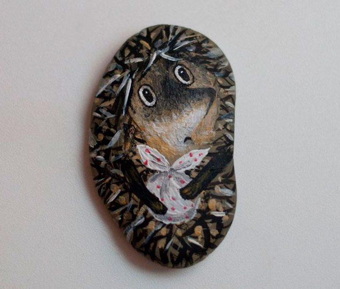 ёжик нарисованный на камне мастер-класс