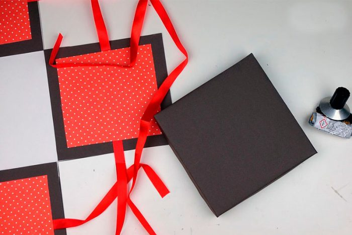A box with a surprise do-it-yourself workshop