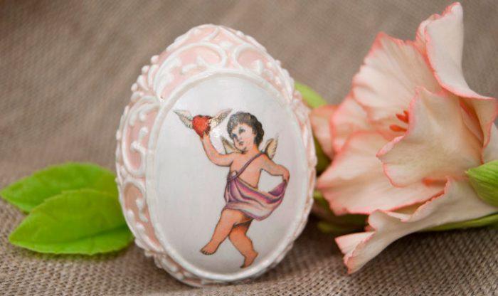 Декупаж декоративного яйца
