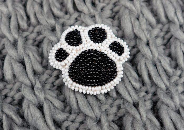 Собачья лапка вышивка бисером