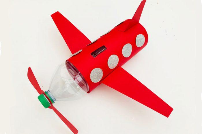 Самолёт-копилка из пластиковой бутылки