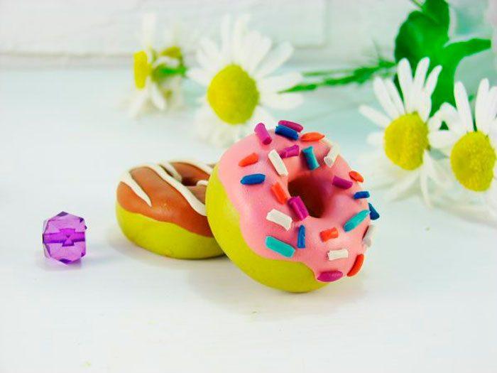 пластилиновый пончик