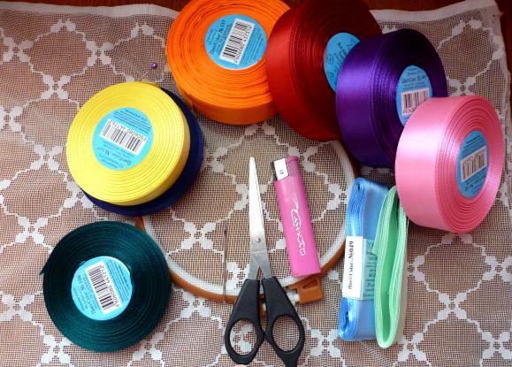 материалы для вышивки лентами