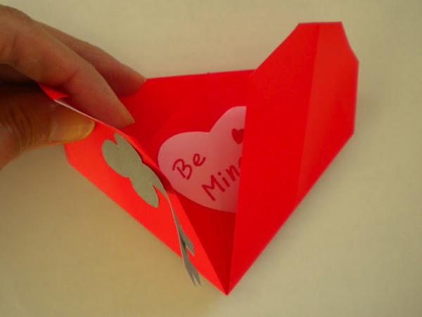 Конвертики сердечки из бумаги