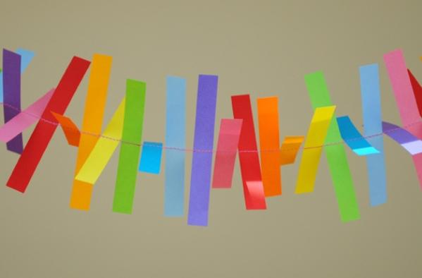 Гирлянды из полосок бумаги своими руками 47