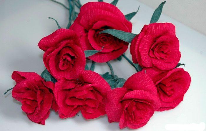 Роза из гофрированной бумаги своими руками картинки