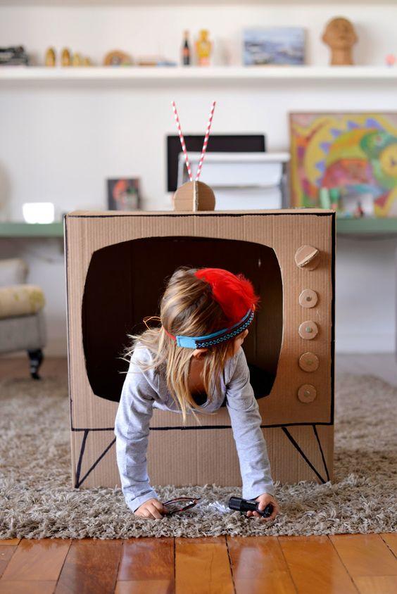 Как сделать своими руками телевизор из коробки своими руками