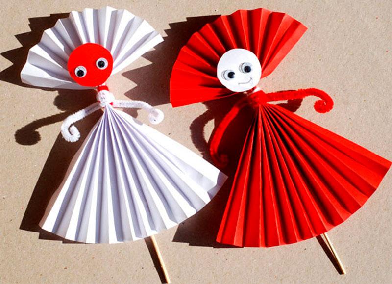 Поделки детьми из бумажных рук 805